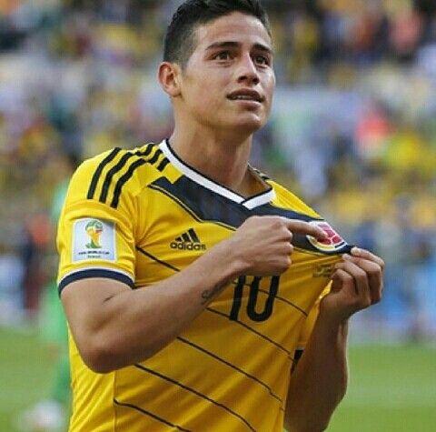 James Rodriguez! Papasito! Orgullosamente Colombiano! ♡♥♡
