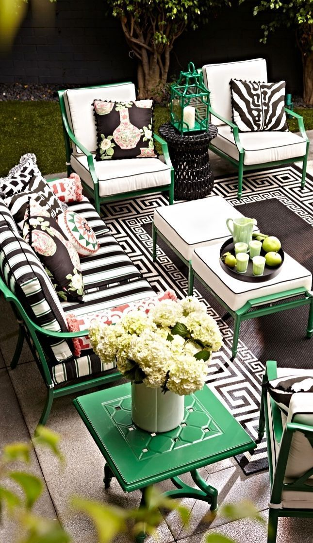 The Perfect Garden Party That S What Grayson Ca Achieved Airy Aluminum Beautifully Calls Cast Collection Design Din Patio Decor Patio Outdoor Living