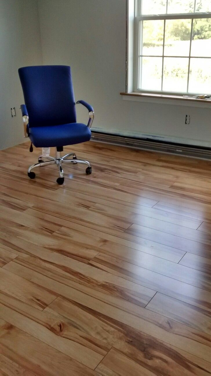 Pergo Max Monterey Spalted Maple Flooring from Lowes