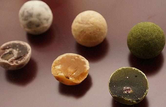 徳島・菓子游 茜庵   和三盆糖の名産地・徳島県が生んだ、おもてなし手土産の一口羊羹「和三玉」