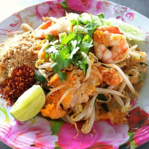 @eatinthais photo: Pad Thai #stirfried #noodles #shrimp #eggs #beansprout #roasted #nut dried #chilis #lime Sun.17.02.13.15.07 #eatinthai #foodporn #thai #localfood #yummy #streetfood