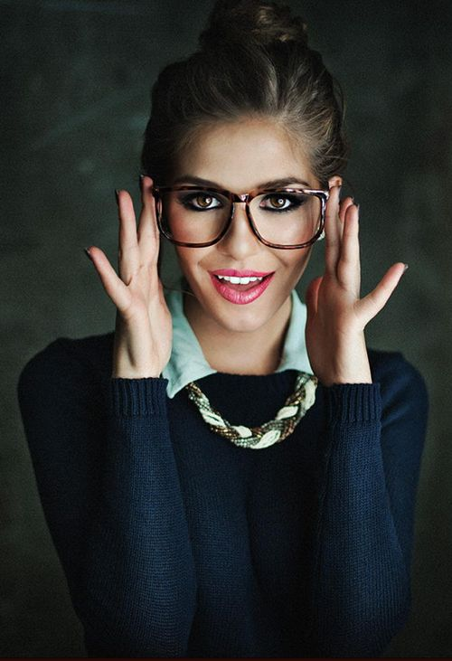 Now that's how to wear BIG frames!