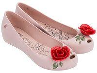 Compre na Loja Melissa Oficial sapatos e sandálias. Veja aqui os lançamentos das Coleções Melissa e promoções do Bazar com preços imperdíveis. Confira!