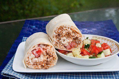 Бурритос с рисом по-гречески