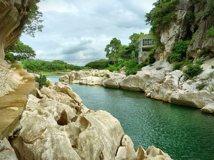 Explore Minalungao National Park #minalungaonationalpark #minalungao #fliptripph #teamfliptrip #explorephilippines #traveler #nature #river #cave #solotravel #nuevaecija