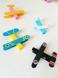 avions avec des pinces à linge