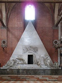Monument to Canova in the Basilica di Santa Maria Gloriosa dei Frari, designed by Canova as a mausoleum for the painter Titian