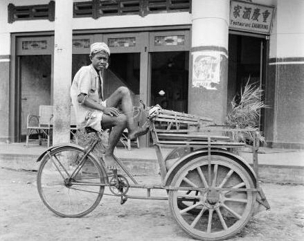 becak th 1920 an, rodanya masih kayu