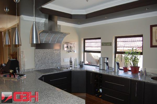 African kitchen ideas kitchen designs south africa for Kitchen designs pretoria