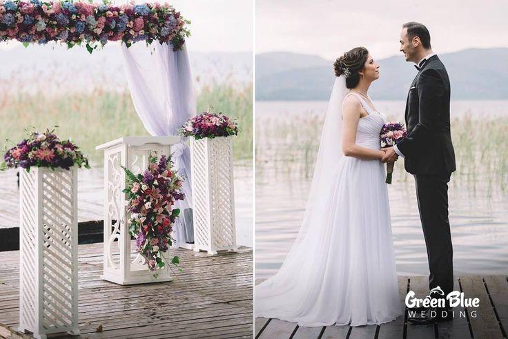 Huzurlu Sapanca manzarası ve Green Blue Wedding'in büyülü ambiansı ile hayallerinizi gerçekleştirmek için bekliyoruz.  Görsel: @omerberksarac.wedding İletişim: 0533 226 5338 #greenbluesapanca #wedding #kırdüğünü #düğün