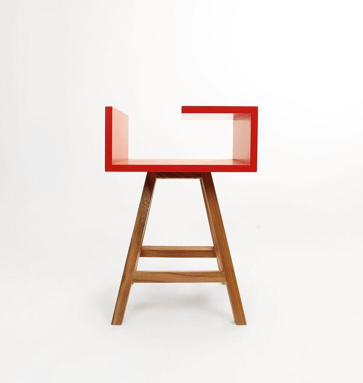 stolik nocny w czerwonym kolorze -energia w Twojej sypialni  #meble #acoco #sypialnia #design #stolik #stoliknocny