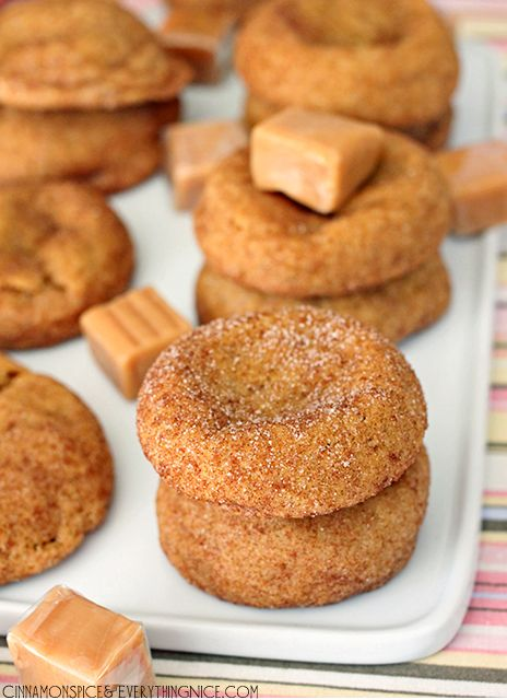 Caramel Stuffed Pumpkin Cookies {yum} I would totally cheat with store bought dough and add pumpkin pie spice to it before adding the caramel and rolling in cinnamon sugar to bake. Stealing the idea and gonna try to do some shortcuts.