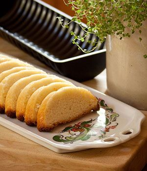 Scandinavian Almond-Cake-with-Pan