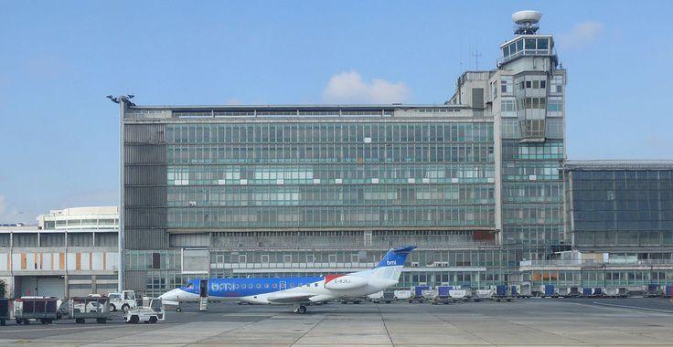 """""""Zaventem"""". """"Aeroporto de Bruxelas-Nacional"""". #Bruxelas, Bélgica."""