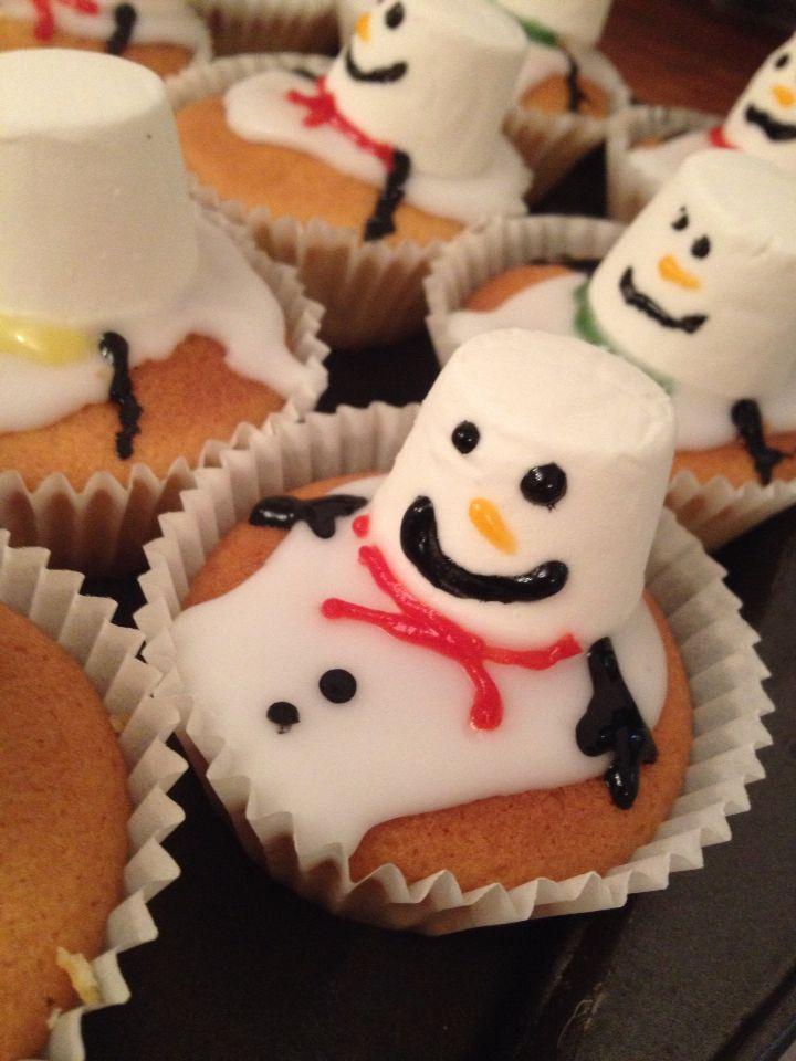 Melting snowman fairy cakes