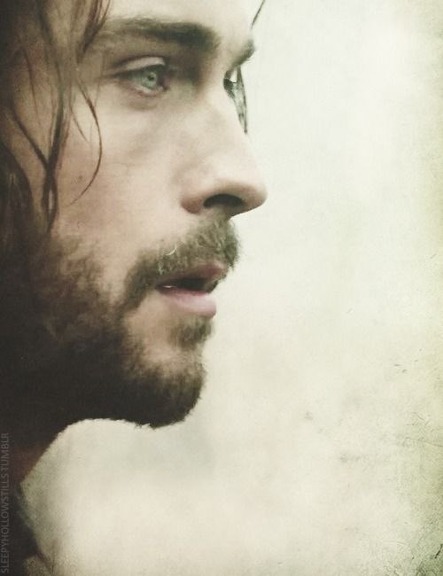 "Sleepy Hollow Stills │1.01 ""Pilot"" │Ichabod Crane Oh good Lord...I know what I'm thankful for..."