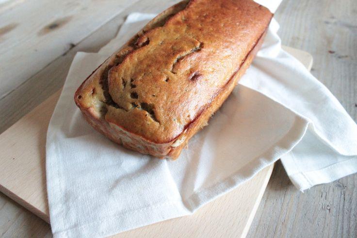 Het is tijd voor bananenbrood want bij Personal Body Plan staat deze week in het thema van brood! Precies om die reden vond ik het wel leuk om mijn bananenbrood receptje weer eens te maken. Alleen dit