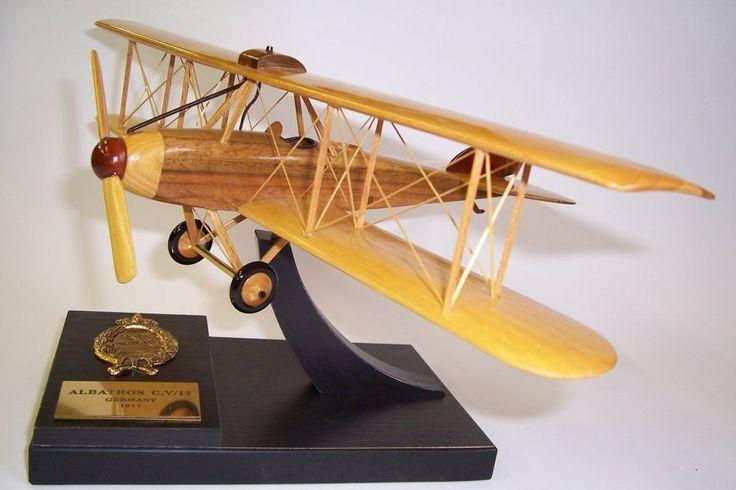 ALBATROS C. V/17. Holzmodelle der deutschen Militärflugzeuge aus dem Ersten und Zweiten Weltkrieg