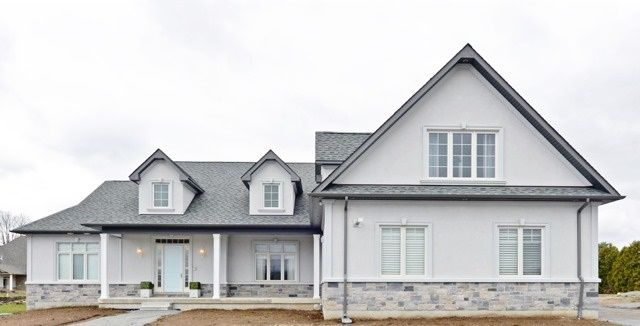 4 Bedroom Bungaloft Backing Onto Forest In North Pickering