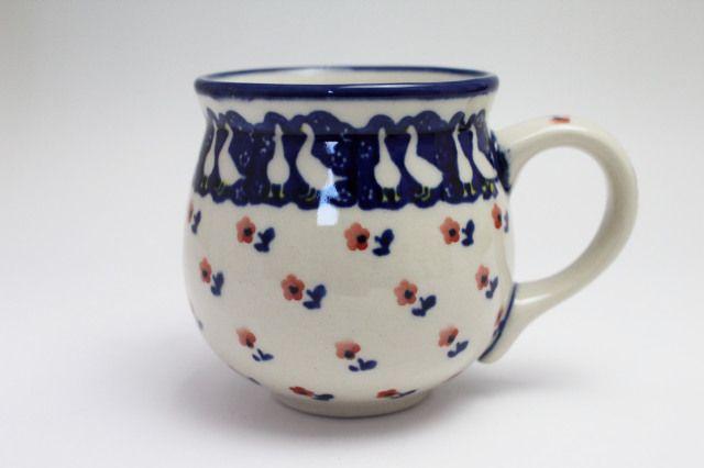 ポーランド陶器(ポーリッシュポタリー)  原産地: ポーランド 製造元: マヌファクトゥラ社   スタンプで描かれたガチョウのつがいの模様。 ボレスワヴィエツ陶器らしいコバルトブルーを基調に、小花のスタンプで黄色がきかされています。