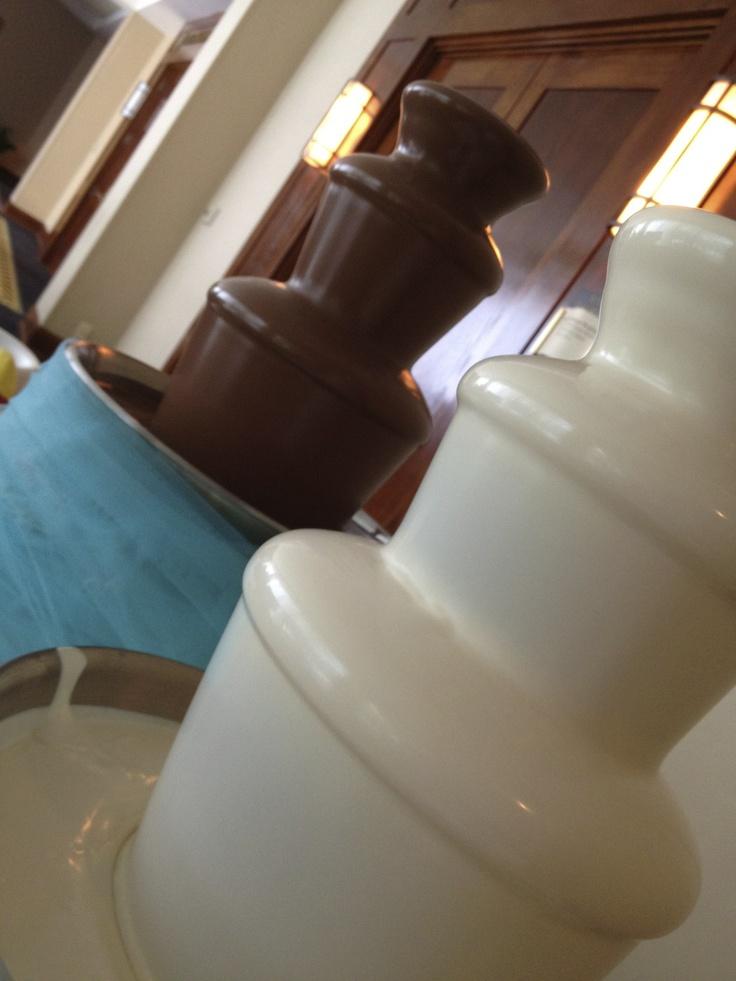 Milk & White Chocolate Fountains