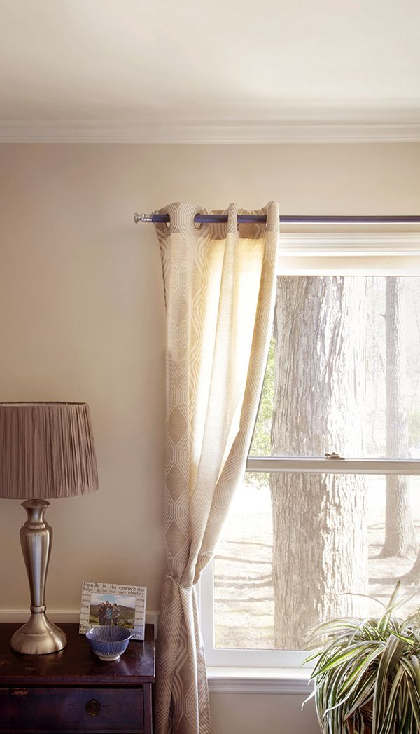 DIY Curtain Rod Using Cabinet Knobs and a Dowel Rod