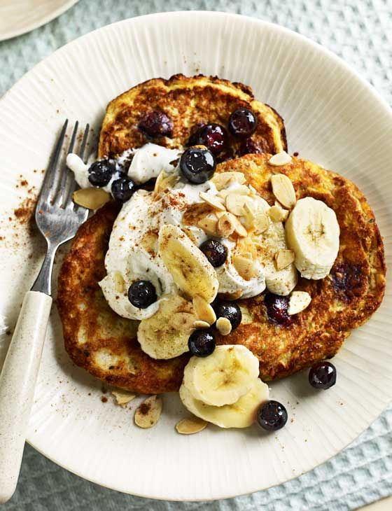 Gluten-free almond and blueberry pancakes - Sunday brunch full of superfood blueberries