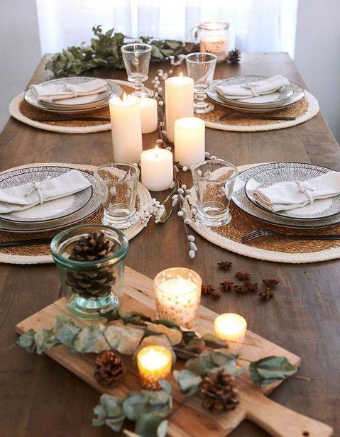 decoration de table hiver improvisez une deco de table mobile sur des planches a decouper