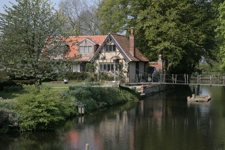 Moat House Holiday Accommodation, Norfolk