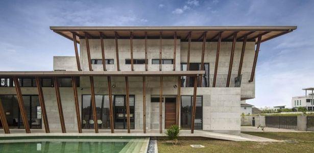 Mélange de béton, bois et briques pour une maison imposante en Malaisie   Construire Tendance