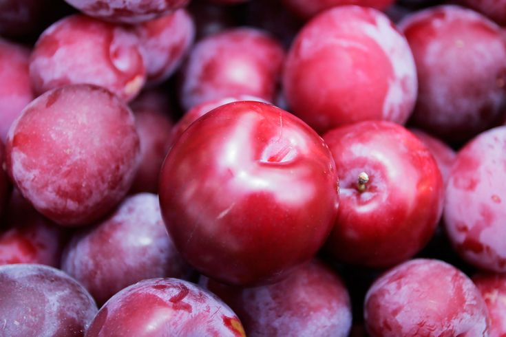 Plum Benefits | plum benefits to obtain the label of a super food a fruit must contain ...