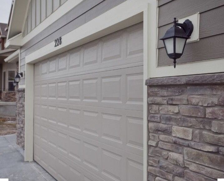 Faux stone veneer  Lap board siding  Azek trim Best 10  Azek trim ideas on Pinterest   Cape style homes  Navy  . Exterior Garage Door Trim Kit. Home Design Ideas