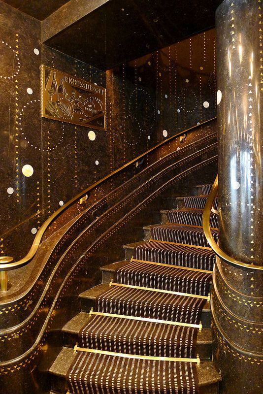 Art Déco - Le Restaurant Prunier - De nos Jours - Intérieur - Escalier