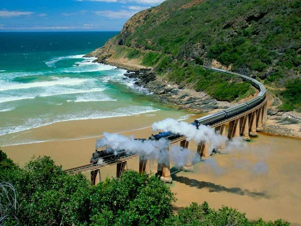 South Africa's famous Blue Train allows you plenty of time to soak in the spectacular scenery between Cape Town and Johannesburg