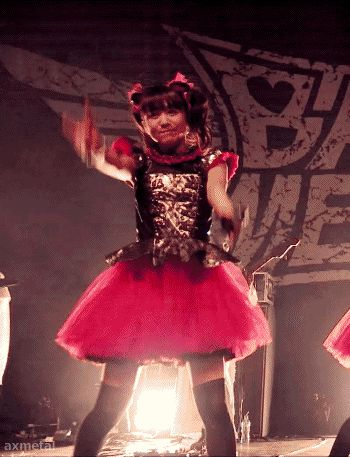 BABYMETAL LIVE IN LONDON (The Forum 2014) Uki Uki Midnight. Moa must be a angel.