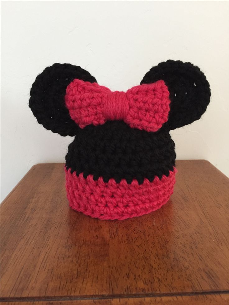 Minnie Mouse inspired newborn hat.  Pattern provided by hopefulhoney.com