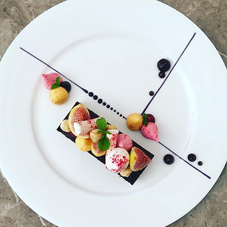 share chocolate, and fruit meringues by @chef_yankavi via @PhotoAroundApp. Use #chefsplateform for get featured!#foodstyle#food#foodie#foodpic#hungry#instafood#eat#eating#gourmet#foods#yum#yummy#chefslife#chefstalk#foodgasm#foodstagram#foodporn#chef#culinary#truecooks#gastronogram#instachef#wildchefs#repost#fresh#foodphotography#tasty#delicious