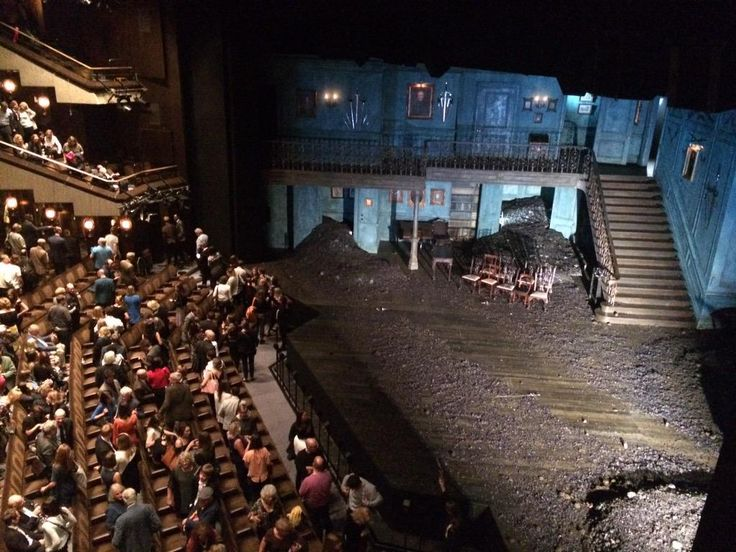 Standing ovation naturally #HamletBarbican