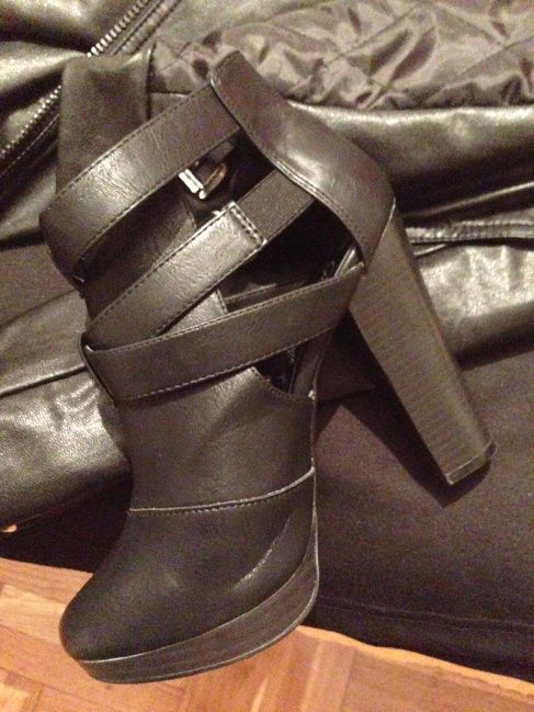 black ankle boots  http://sisiglam.wordpress.com/2013/11/06/rain/