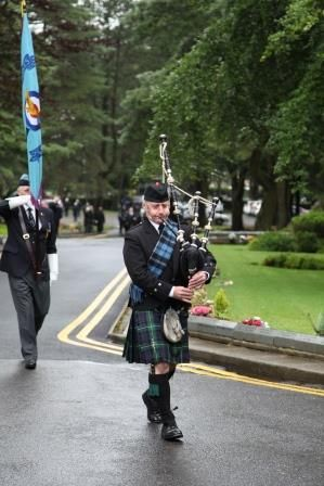 Thank you to Matthew of Sims and Jones Independent Funeral Directors of Swansea for this photograph, following my participation in a recent funeral. Mourners & I were asked to wear the tartan sash, reflecting the deceased gentleman's background. ‪#‎SouthWales‬ ‪#‎Funeralmusic‬ ‪#‎Bagpipes‬ ‪#‎Swansea‬