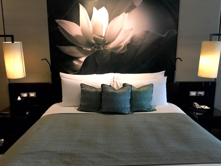 Last we stayed at Kempinski residences Bangkok was Aug 2014 This week, we are back to stay at the hotel's premier room. The main hall and reception was as nice as usual with grand f…