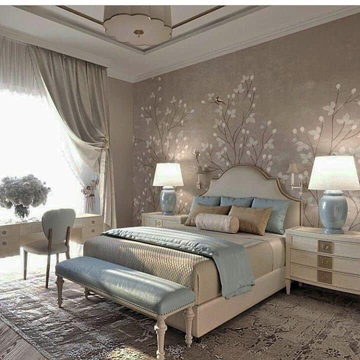 دائما الالوان المحايدة مع الالوان الباردة بدرجات فاتحة تفوز في غرف النوم اناقة وفخامة Luxurious Bedrooms Master Bedroom Interior Design Modern Bedroom Design