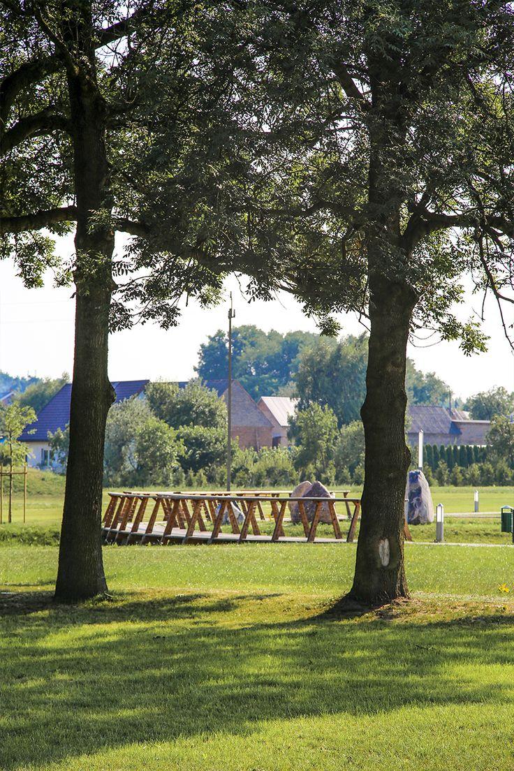 #Architektura w #KazimierzBiskupi - #park. W tle - #mostki. // #Architecture in Kaziemierz Biskupi, #Poland - #park #bridges