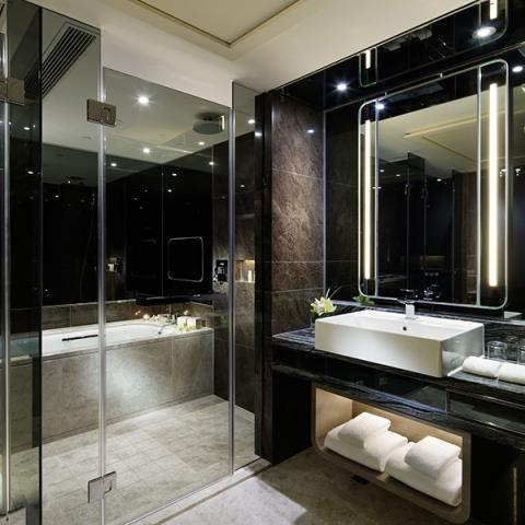 royal plaza hotel hong kong  royal plaza hotel hong kong: architecture bathroom toilet
