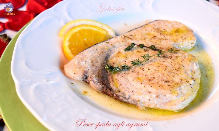 Pesce spada agli agrumi, un piatto molto semplice e gustoso, dal sapore agrodolce. Velocissimo da preparare, è ottimo per una sana e gustosa alimentazione!