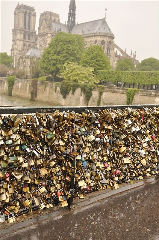 Love Locks Paris One day I will come here with someone I love.