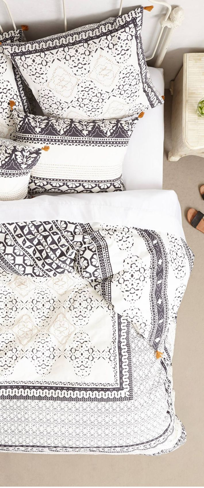 There's nothing quite like a duvet that combines textural details with neutral…