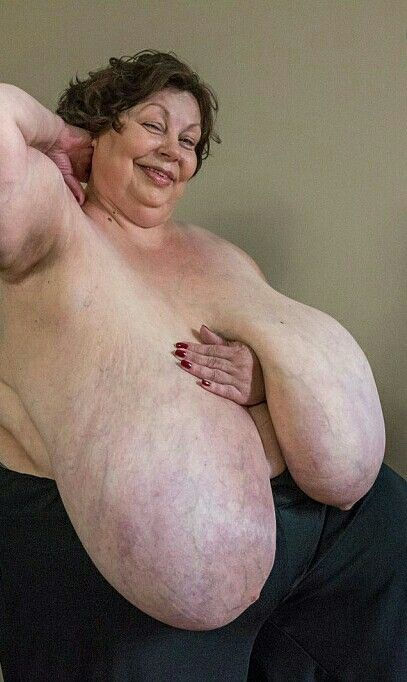 Karola huge boobs-5889