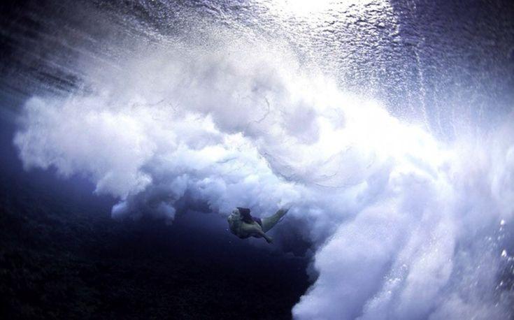 I surfisti sottacqua nelle foto di Lucia Griggi