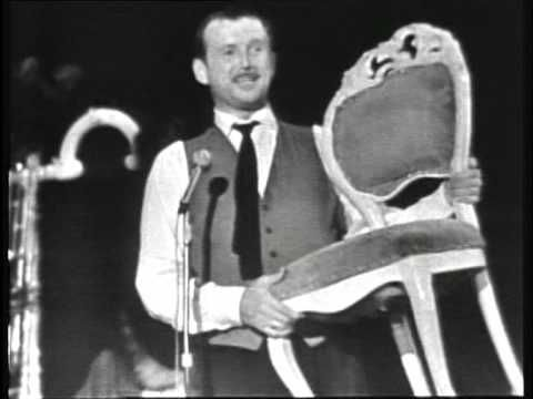 ▶ Toon Hermans 1958: deel 20. De stoel van m'n zuster - YouTube